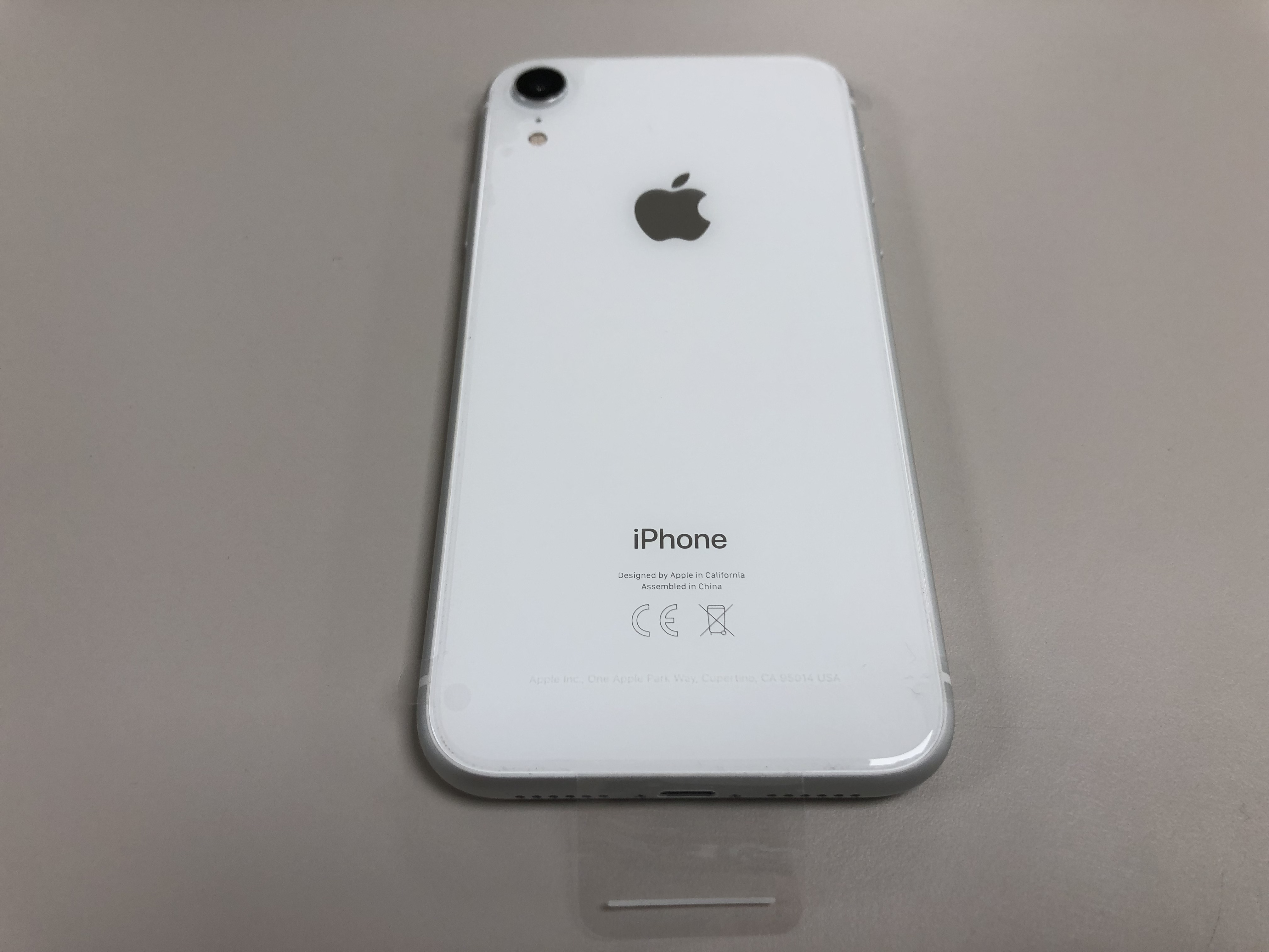 iPhone XR 128GB white